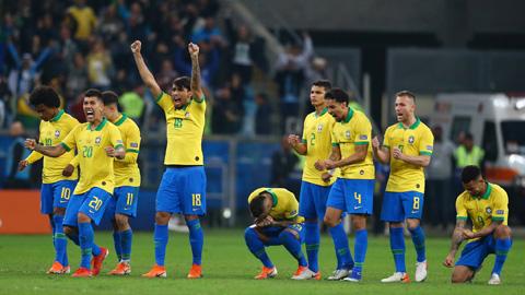 Lăng kính: Vì sao Brazil đá 11m hay vậy?
