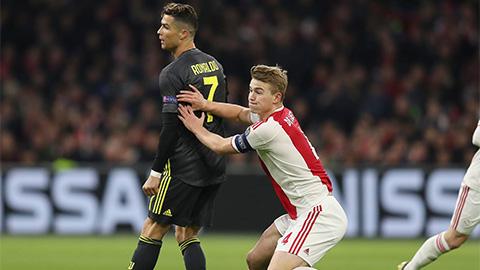 De Ligt: 'Hồi nhỏ tôi luôn giả bộ là Ronaldo'