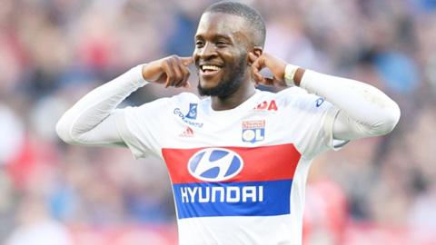 Tanguy Ndombele sắp cặp bến Tottenham: Từ giải hạng... 5 tới bản hợp đồng 60 triệu bảng