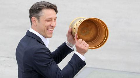 Kovac phải nắn Bayern sang sơ đồ 5-3-2