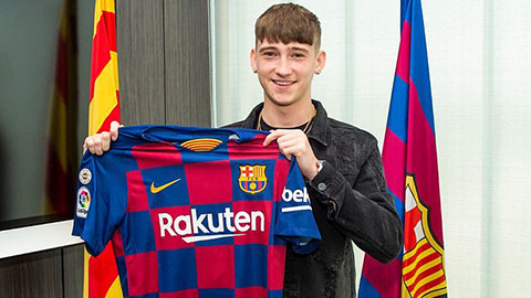 Vượt PSG, Barca giành được sao nhí 16 tuổi Louie Barry
