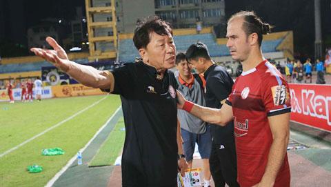 HLV Chung Hae Seong: 'TP.HCM không chịu áp lực chiến thắng'