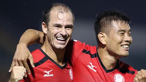 Huỳnh Kesley: 'Ông già' U40 lọt top 4 chân sút xuất sắc nhất V.League