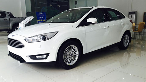Ford Focus giảm giá sốc, quyết chiến Mazda 3, Kia Cerato 2019
