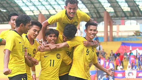 Malaysia gây 'sốc', U18 Việt Nam có nguy cơ bị loại tại giải ĐNÁ