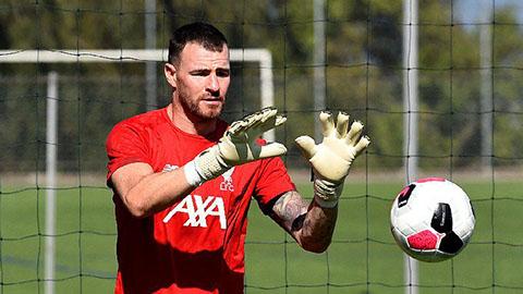 Alisson chấn thương, Liverpool ký hợp đồng ngắn hạn với thủ môn 35 tuổi