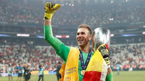 Người hùng Adrian của Liverpool & đêm Istanbul huyền diệu