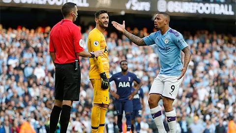 Premier League bị cảnh cáo vì làm sai quy chuẩn VAR