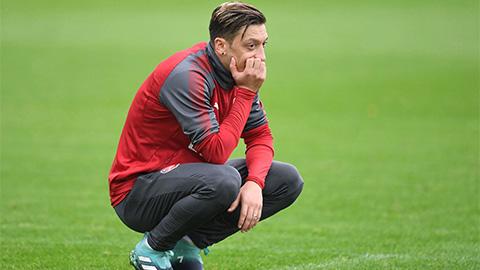 Oezil được đăng ký cho trận Liverpool vs Arsenal