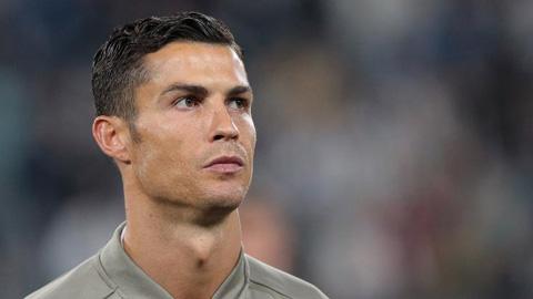 2/5 người từng được Ronaldo dự đoán thành công đang ngã sấp mặt