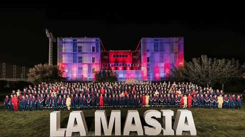 Barcelona: 'Khi chưa biết làm gì, cứ nhìn về La Masia'