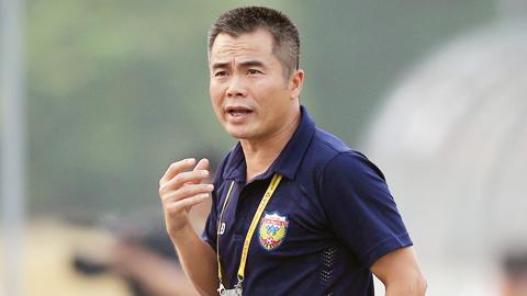 HLV Phạm Minh Đức (Hồng Lĩnh Hà Tĩnh): 'Lên V.League vui, nhưng cũng lo nhiều'