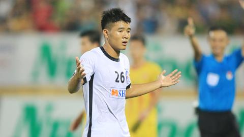 Đức Chinh bỏ ngỏ cơ hội ra sân tại V.League