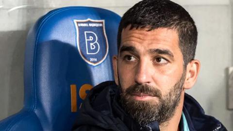 Sao Barca bị tù treo gần 3 năm vì hành vi hung bạo