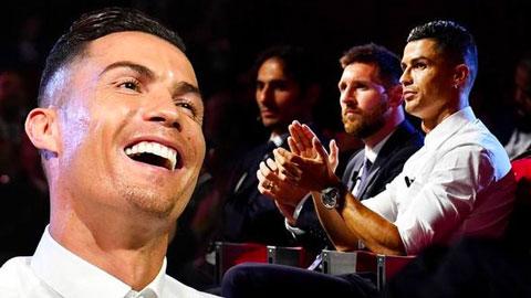 Ronaldo làm gì trong khi Messi nhận giải The Best?
