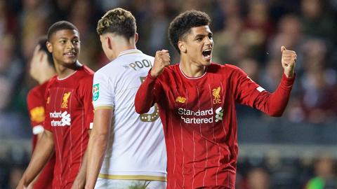 Liverpool giới thiệu lứa trẻ tuyệt vời