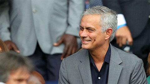HLV Mourinho: 'Không dễ để trở nên đặc biệt'