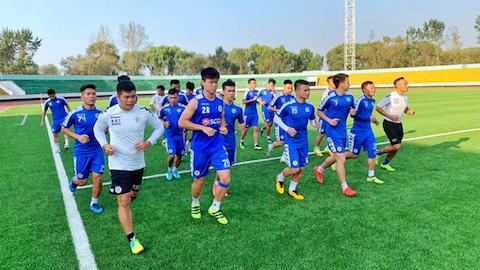 Đại sứ quán Việt Nam là thiên đường giải trí của cầu thủ Hà Nội FC
