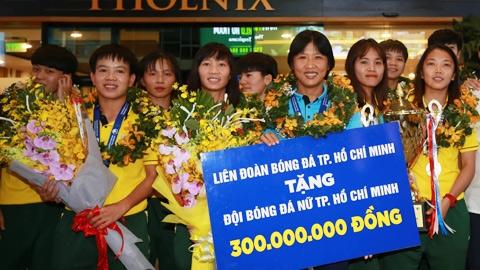 HLV Đoàn Thị Kim Chi (CLB bóng đá nữ TP.HCM): 'Tôi là người may mắn'