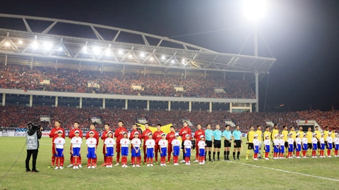 Việt Nam vs Malaysia: BTC trận đấu cảnh giác với pháo sáng