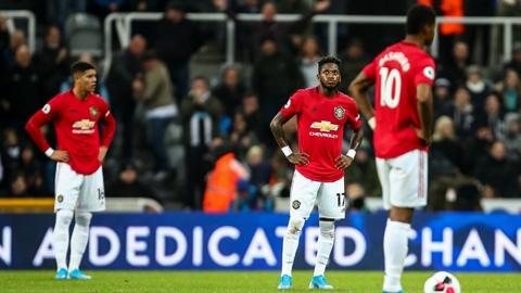 Man United tan nát đến thế, hay còn... hơn nữa?