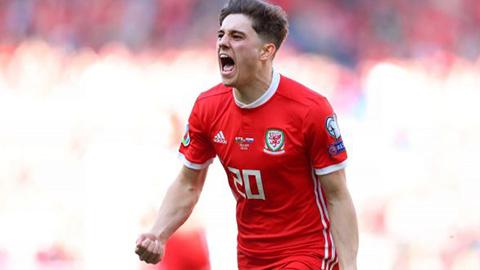 Daniel James trong màu áo ĐT xứ Wales