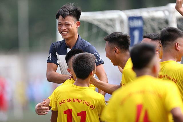 Giải đấu diễn ra từ 6/10 đến 17/11 tại sân Trung tâm TDTT quận Tây Hồ, Hà Nội