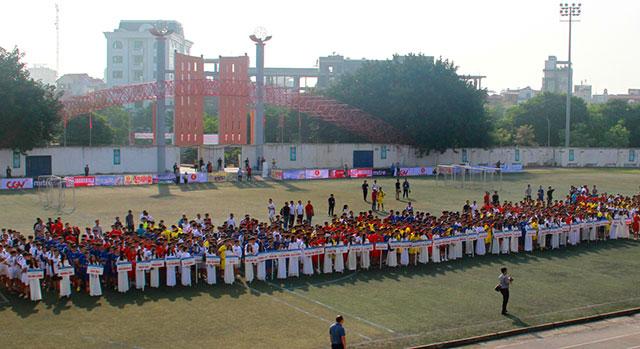 Giữa tháng 10/2019, giải bóng đá học sinh THPT Hà Nội năm thứ 19 đã diễn ra tại SVĐ Trung tâm TDTT quận Tây Hồ