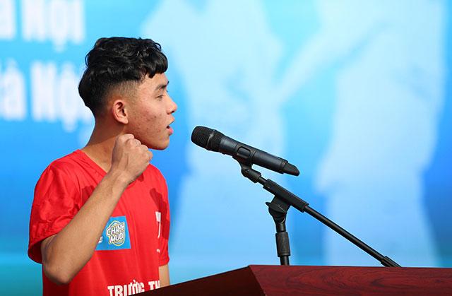 Ra đời vào năm 2001, giải bóng đá học sinh THPT Hà Nội do Báo An ninh Thủ đô phối hợp với Sở GD&ĐT, Sở VH&TT Hà Nội và các Nhà tài trợ tổ chức đã trở thành hoạt động thường niên ý nghĩa của học sinh các trường THPT trên địa bàn Thủ đô.