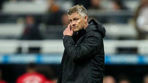 Ed Woodward hết kiên nhẫn, Solskjaer sắp ra đường vì Liverpool