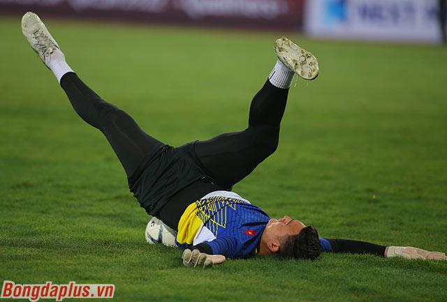Thủ môn Việt kiều mới chỉ để thủng lưới 1 lần trong 3 trận gần nhất cho ĐT Việt Nam