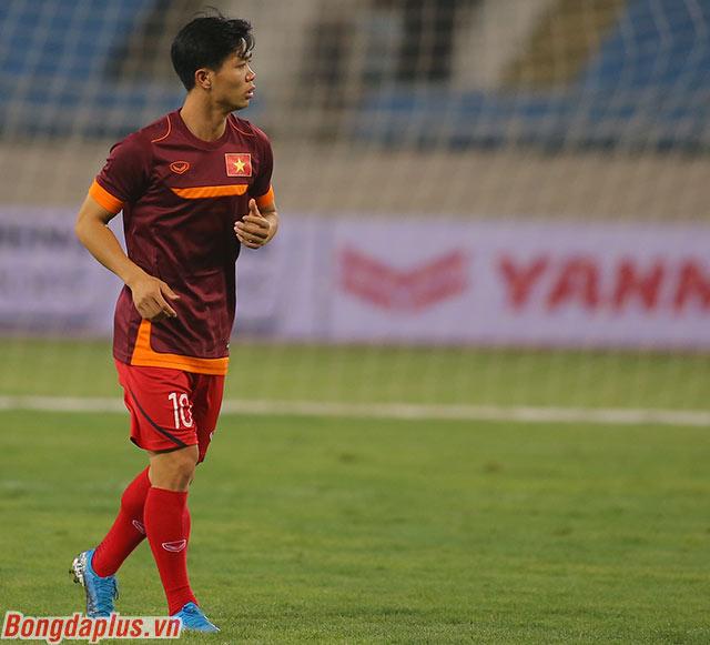 Trong khi đó, thầy Park tỏ ra lo lắng về cảm giác bóng của Công Phượng khi anh không được thi đấu tại Sint Truidense trong 1 tháng vừa qua