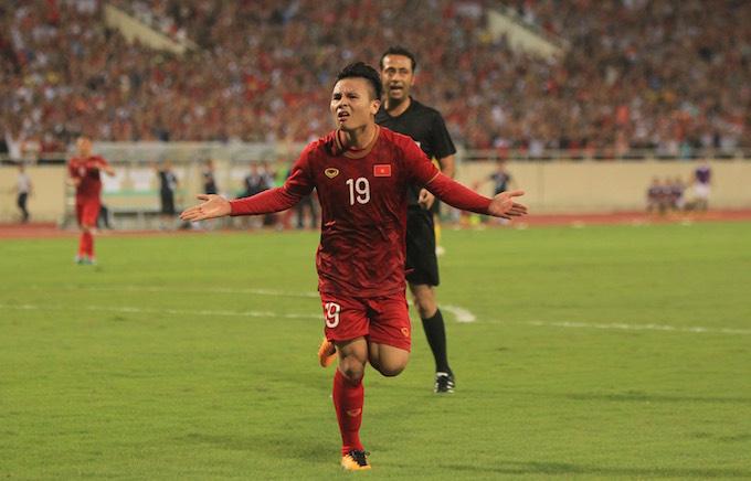 Pha ăn mừng bàn thắng của Quang Hải. Ảnh: Phan Tùng