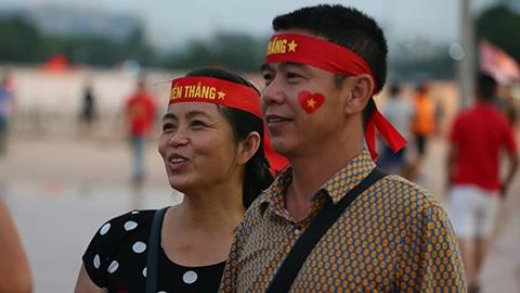 Mẹ Duy Mạnh: 'Việt Nam sẽ hạ Malaysia 2-0'