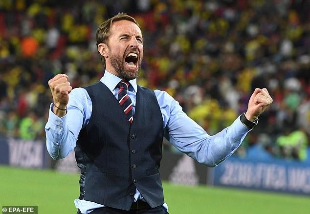 Hàng thải thành của cải vô giá của bóng đá Anh