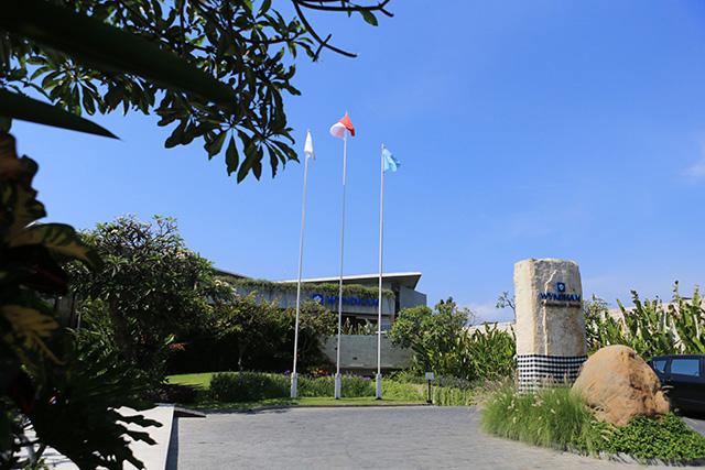ĐT Việt Nam đã nhận phòng tại khu nghĩ dưỡng này vào chiều 11/10, ngay sau khi đặt chân đến Bali. Wyndham Tamansari Jivva Resort là khá sang trọng.