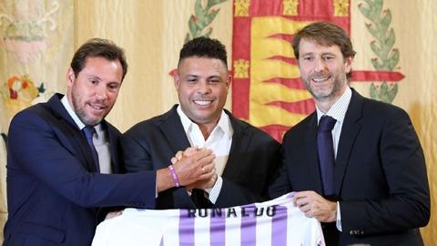Ronaldo đàm phán mua sân bóng từng tổ chức World Cup