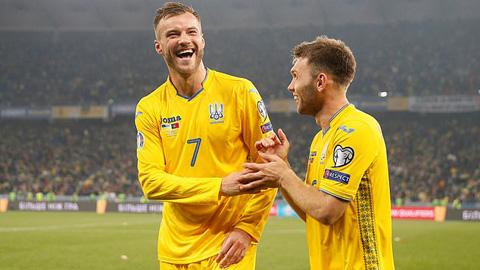 Yarmolenko ghi bàn thắng thứ 2 cho Ukraine
