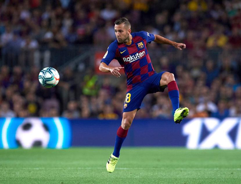 Hậu vệ trái: Jordi Alba (30 tuổi, Barca, 50 triệu euro)