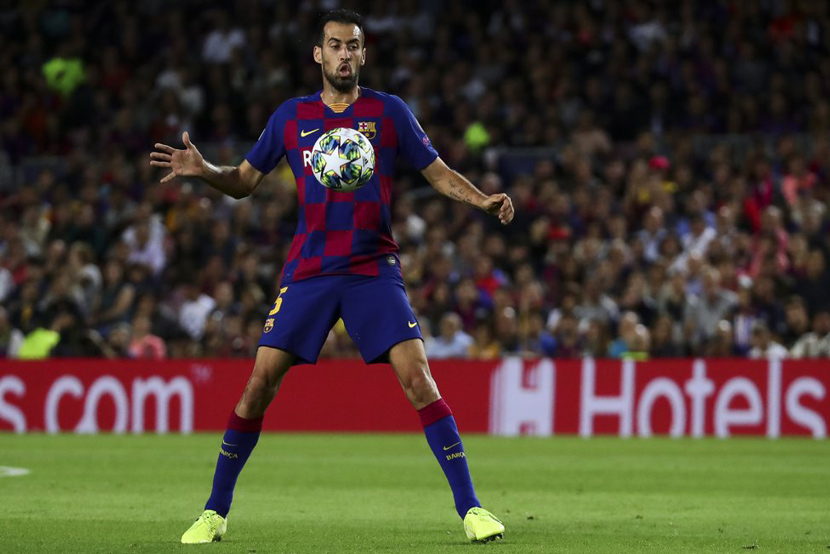 Tiền vệ: Sergio Busquets (31 tuổi, Barca, 50 triệu euro)