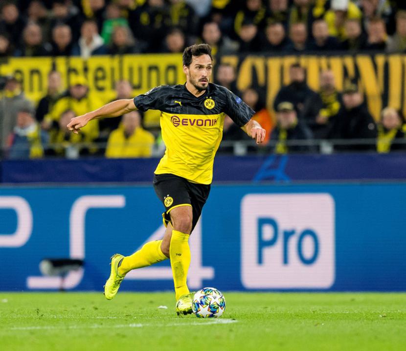 Trung vệ: Mats Hummels (30 tuổi, Dortmund, 35 triệu euro)