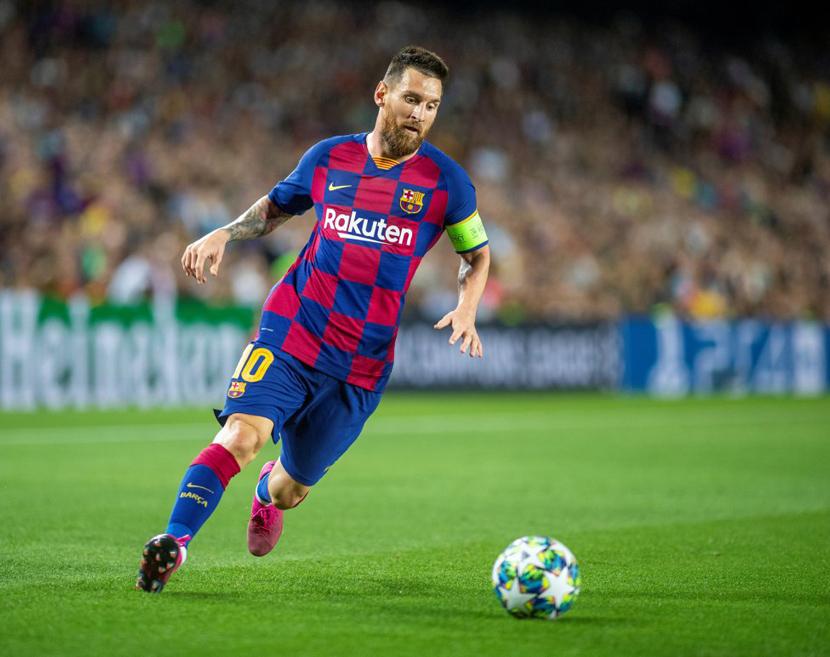 Tiền đạo phải: Lionel Messi (32 tuổi, Barca,150 triệu euro)