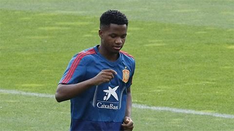 Sao trẻ Ansu Fati của Barca có trận đấu lịch sử