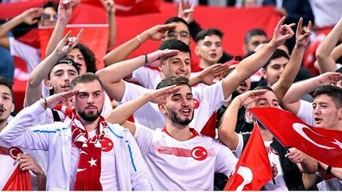 Thổ Nhĩ Kỳ có thể bị cắt quyền đăng cai chung kết Champions League