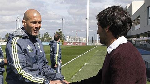 Real tính bổ hiệm Raul thay Zidane