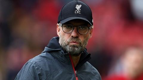 9 trận trong 1 tháng thử thách ý chí của Liverpool