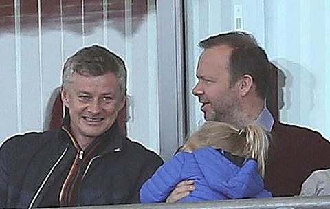 Woodward thường ngồi cùng Solskjaer mỗi khi có dịp