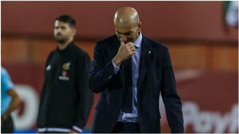 Zidane bức xúc sau thất bại của Real Madrid