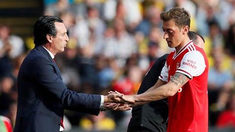 Emery: 'Oezil vẫn còn tương lai ở Arsenal'