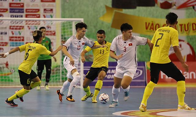Đánh bại Malaysia, ĐT futsal Việt Nam gặp Thái Lan ở bán kết